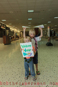 IMG_0743-John Schimmelmann-military homecoming-Honolulu International Airport-Hawaii-May 2013