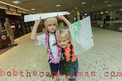 IMG_0755-John Schimmelmann-military homecoming-Honolulu International Airport-Hawaii-May 2013
