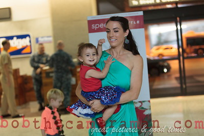 IMG_2341-John Schimmelmann-military homecoming-Honolulu International Airport-Hawaii-May 2013