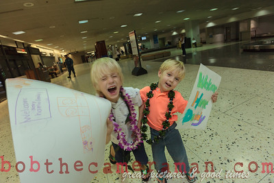 IMG_0756-John Schimmelmann-military homecoming-Honolulu International Airport-Hawaii-May 2013