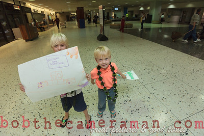 IMG_0757-John Schimmelmann-military homecoming-Honolulu International Airport-Hawaii-May 2013
