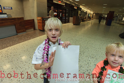 IMG_0754-John Schimmelmann-military homecoming-Honolulu International Airport-Hawaii-May 2013