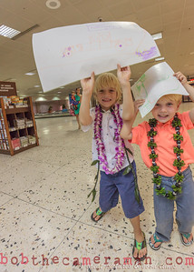 IMG_0750-John Schimmelmann-military homecoming-Honolulu International Airport-Hawaii-May 2013