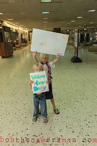 IMG_0742-John Schimmelmann-military homecoming-Honolulu International Airport-Hawaii-May 2013