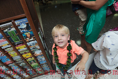 IMG_0773-John Schimmelmann-military homecoming-Honolulu International Airport-Hawaii-May 2013