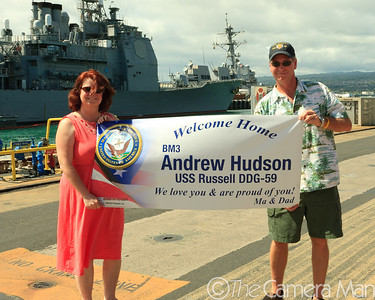 0m2q7767-uss russell-homecoming-shipyard-pearl harbor-oahu-hawaii-august 2010