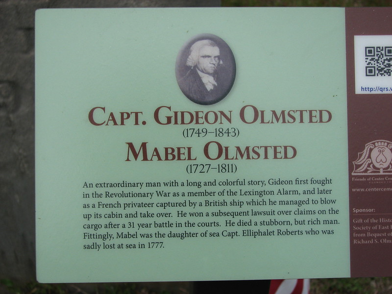 Small sign at the grave