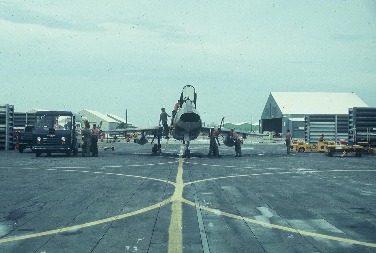 Tuy Hoa F 100 Crews