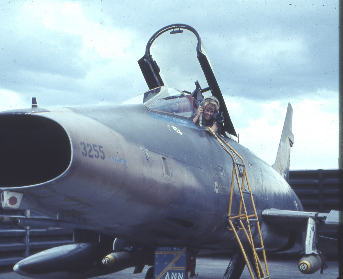 ME..IN AN F-100