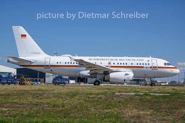 2019-08-19 15+01 Airbus A319 German Air Force