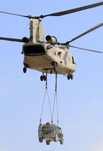 20200810_SJ_US_CH-47F_13-08135_Slingload_8894