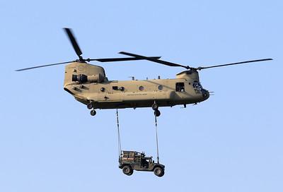 20200810_SJ_US_CH-47F_13-08133_Slingload_8367