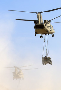 20200810_SJ_US_CH-47F_13-08135_Slingload_8902