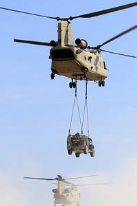 20200810_SJ_US_CH-47F_13-08135_Slingload_8895