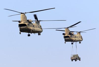 20200810_SJ_US_CH-47F_13-08135_Slingload_8407