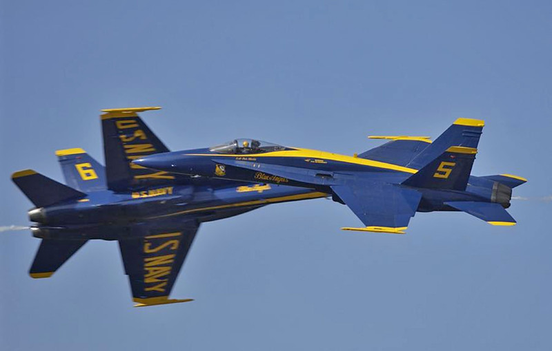 Blue Angels close pass - 2008