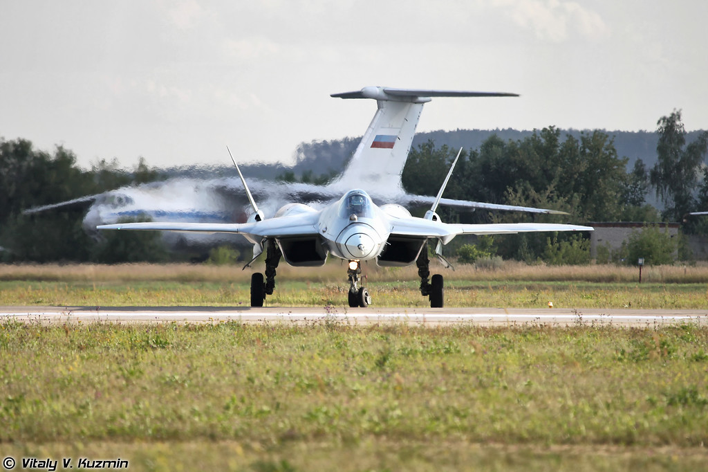 Второй летный прототип Т-50 ПАК ФА б/н 52 (Second flying prototype of T-50 PAK FA b/n 52)
