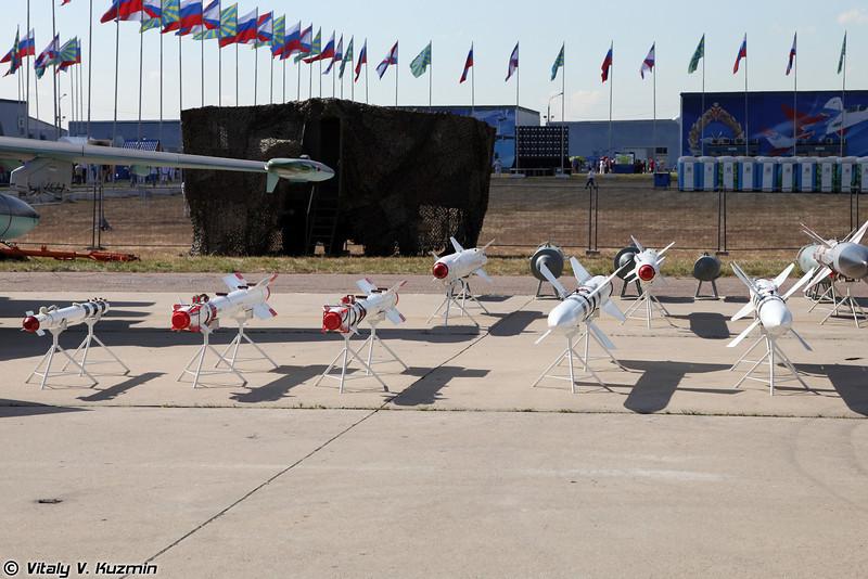 Ракетно-бомбовое вооружение (Bombs and missiles)