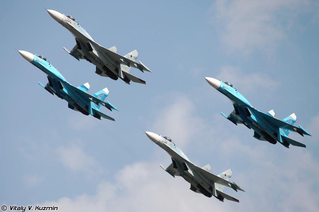 Воздушный бой в исполнении двух Су-27СМ3 и двух Су-27СМ (Dogfight display by two Su-27SM3 and two Su-27SM)