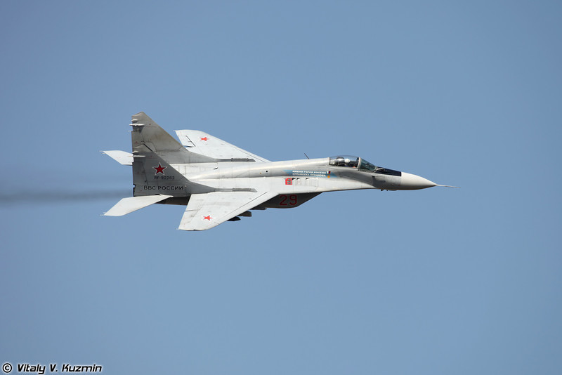 Пилотаж МиГ-29 (MiG-29 aerobatics display)