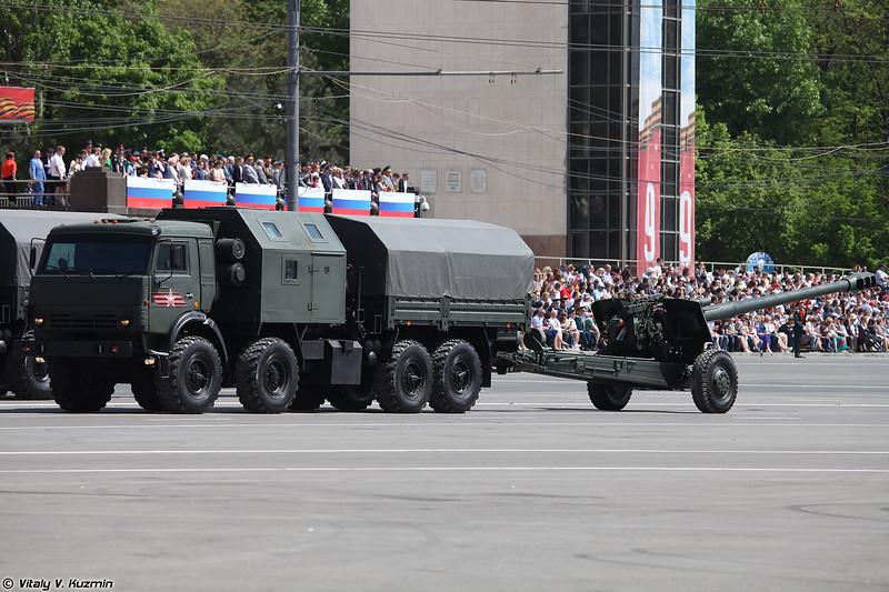 Артиллерийский тягач КАМАЗ-6350-376 с 152-мм буксируемой гаубицей 2А65 Мста-Б (KAMAZ-6350-367 artillery tractor with 152mm howitzer 2A65 Msta-B)
