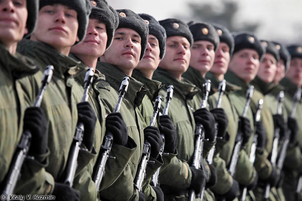 Внутренние войска МВД России представлены парадным расчетом Отдельной дивизии оперативного назначения (Internal troops Separate Operational Purpose Division)