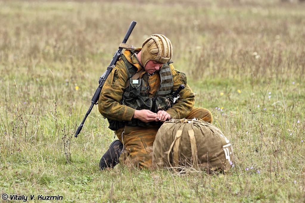 Тактические учения 137-го гвардейского парашютно-десантного полка 106-й гвардейской воздушно-десантной дивизии (Tactical exercises of 137th Guards Airborne Regiment 106th Guards Airborne Division)