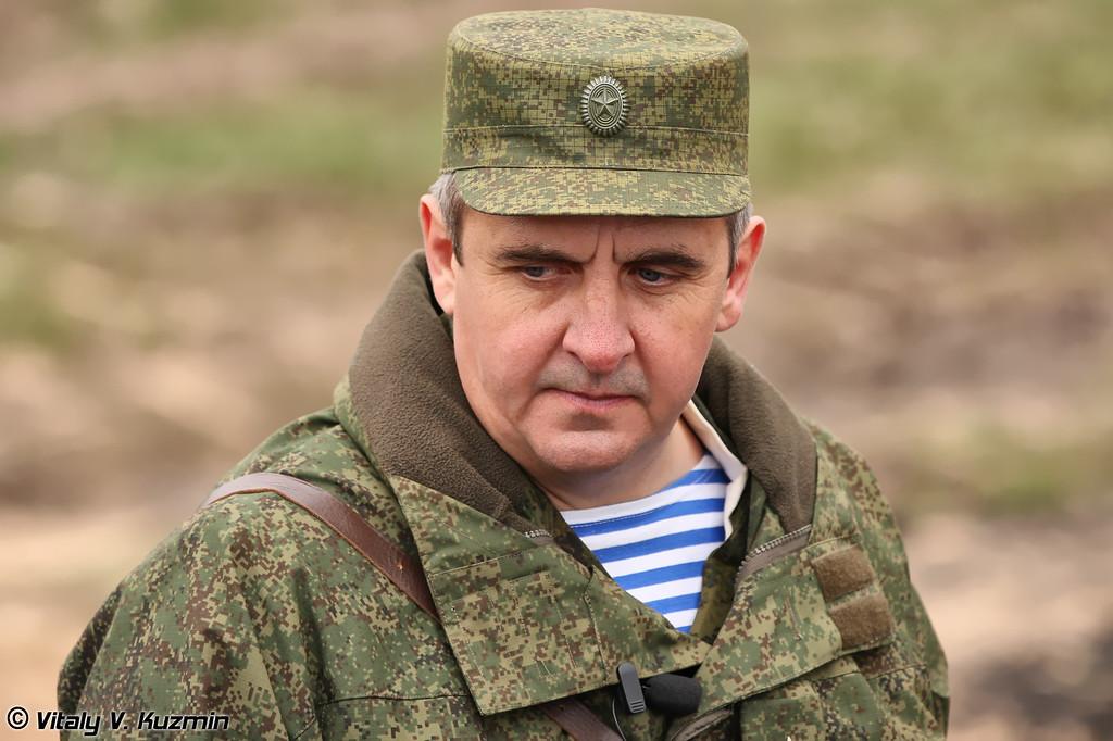 Командир 106-й гвардейской воздушно-десантной дивизии гвардии полковник Владимир Кочетков (106th Airborne Division commander colonel Vladimir Kochetkov)