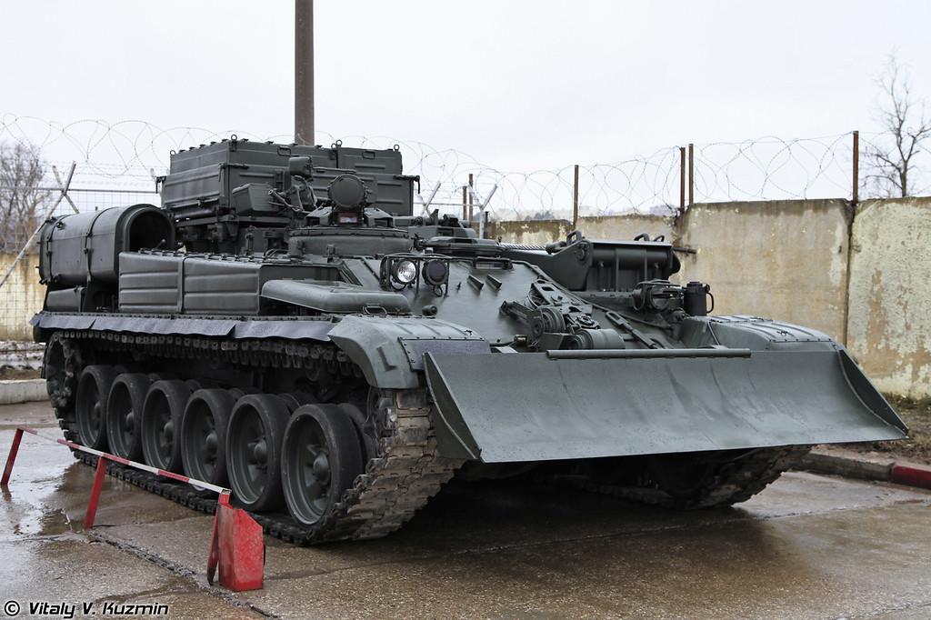 Бронированная ремонтно-эвакуционная машина БРЭМ-1. (Armoured recovery vehicle BREM-1.)