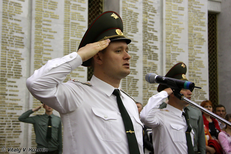 Командир полка подполковник Барышев М.Н. (Regiment commander lieutenant colonel Mikhail Barishev)