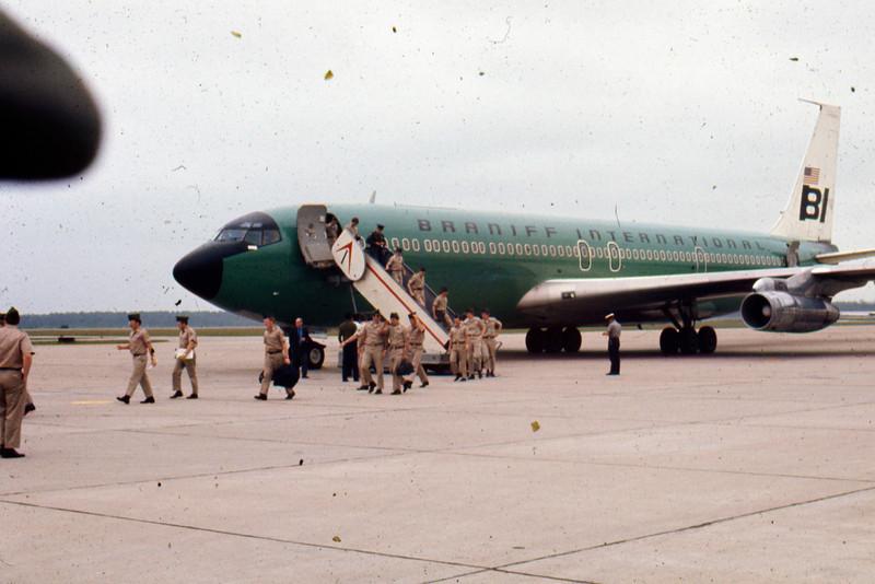 Debarking at Richmond VA airport