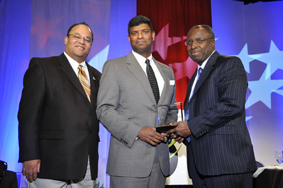 Tyrone Taborn, General Leo Brooks (R), Vice President Boeing, General Johnnie Wilson (R), Vice President Honeywell