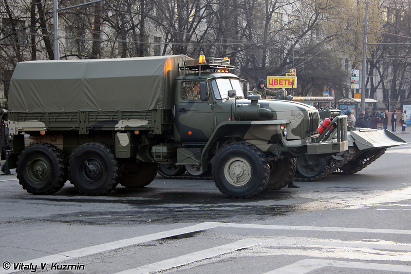Транспортер эвакуационный КТ-Л на шасси УРАЛ-4320 (Evacuation carrier KT-L on Ural-4320 chassis)