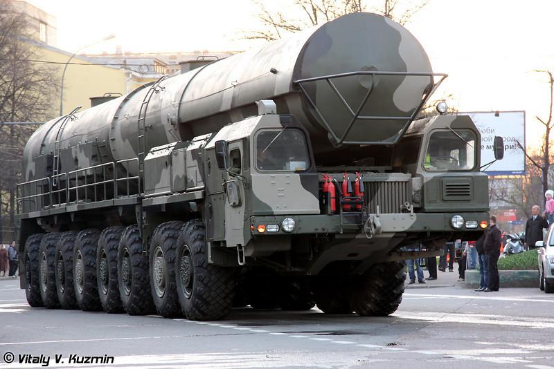 БМС 15Т418 агрегат сопровождения колонны технического замыкания ПГРК Тополь-М (BMS 15T418 supply vehicle for Topol-M ICBM)