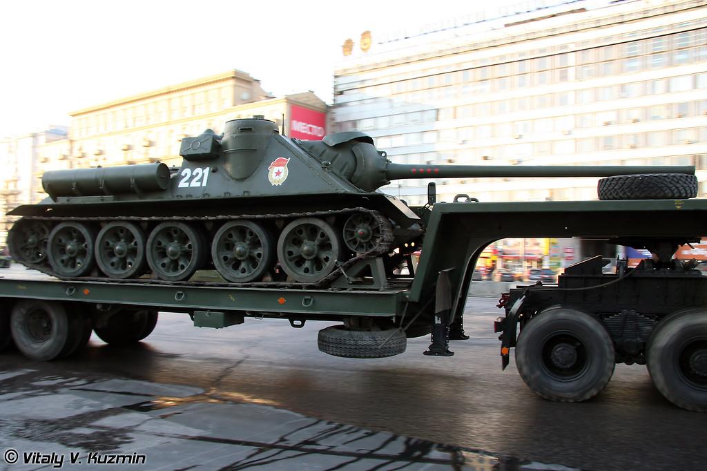 СУ-100 и КАМАЗ-65225 (SU-100 and KAMAZ-65225)