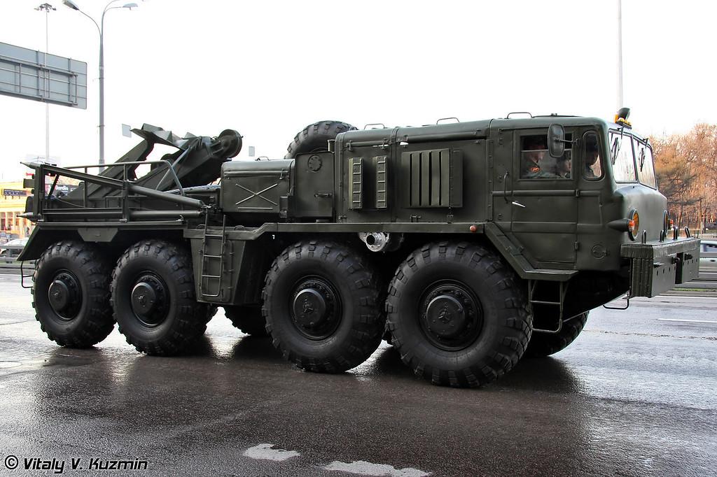 Колесный эвакуационный тягач КЭТ-Т (Wheeled evacuation carrier KT-T)