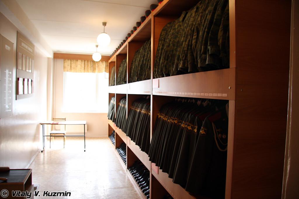 Казарменное помещение (Barracks)