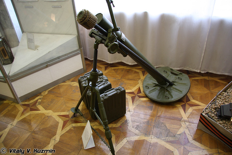 82-мм миномет (82mm mortar)