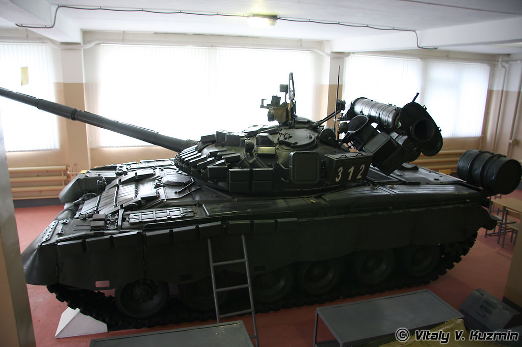 Танк Т-80БВ (T-80BV main battle tank)