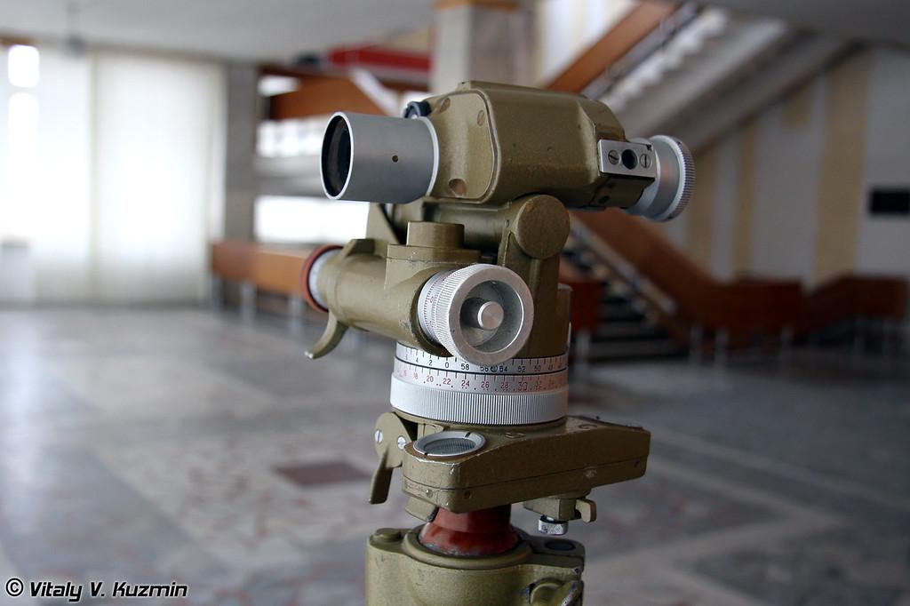 Перископическая артиллерийская буссоль ПАБ-2М (Artillery aiming circle PAB-2M)