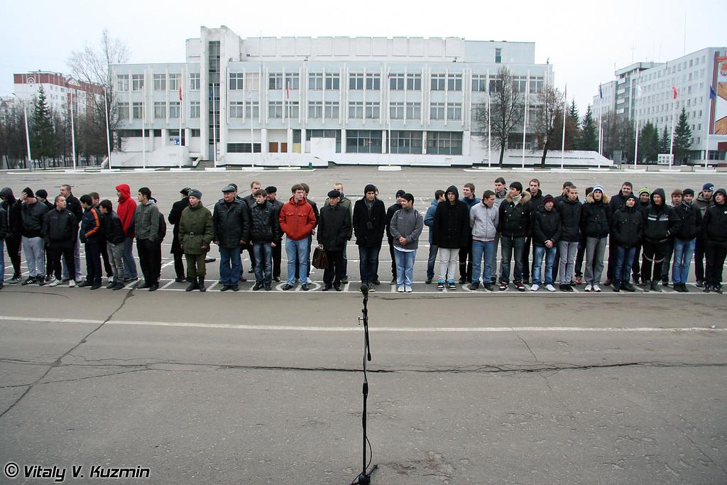 День призывника 2011 в 27-й отдельной гвардейской мотострелковой бригаде (Conscript Day in 27th Separate Guards Red Banner Sevastopolskaya Motor Rifle Brigade)