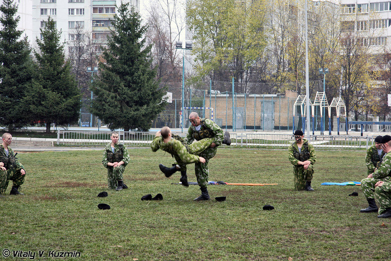 Показательное выступление разведроты 27-й отдельной гвардейской Севастопольской мотострелковой бригады (27th Separate Guards Sevastopolskaya Motor Rifle Brigade Recon Company show)
