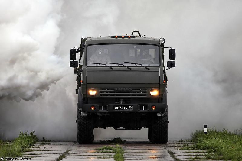 Постановка аэрозольных завес дымовой машиной ТДА-3 (TDA-3 smoke vehicle)