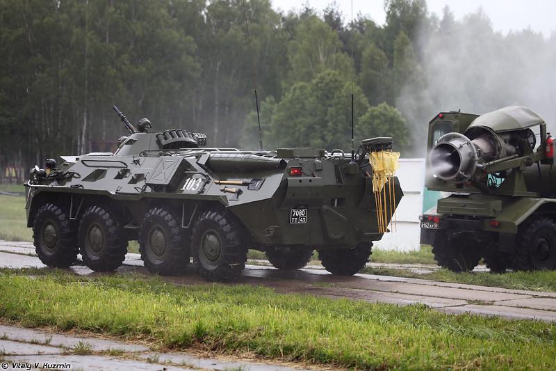 Специальная обработка РХМ-4 тепловой машиной ТМС-65У (Decontamination of RKhM-4 with TMS-65U decontamination vehicle)