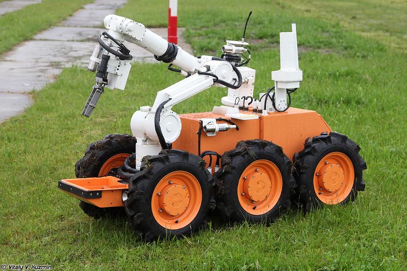 Робот дистанционно управляемый радиационной и химической разведки РД-РХР (RD-RKhR robot)