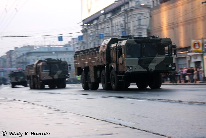 Транспортно-заряжающая машина 9Т250 комплекса Искандер-М (9T250 loading vehicle for Iskander-M system)