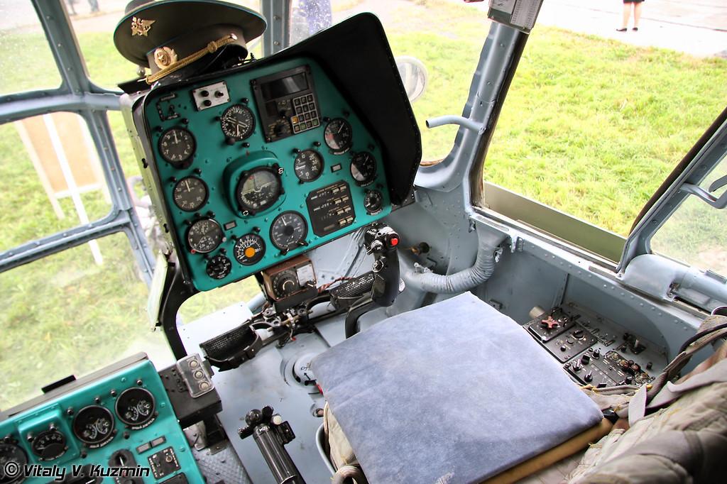 Кабина Ми-8МТ (Mi-8MT cockpit)