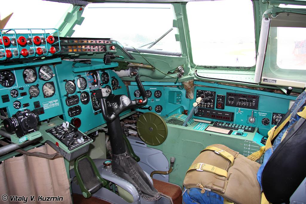 Кабина Ту-95МС (Tu-95MS cockpit)