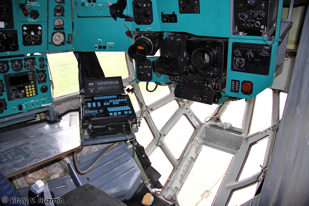 Кабина Ил-78М (IL-78M cockpit)