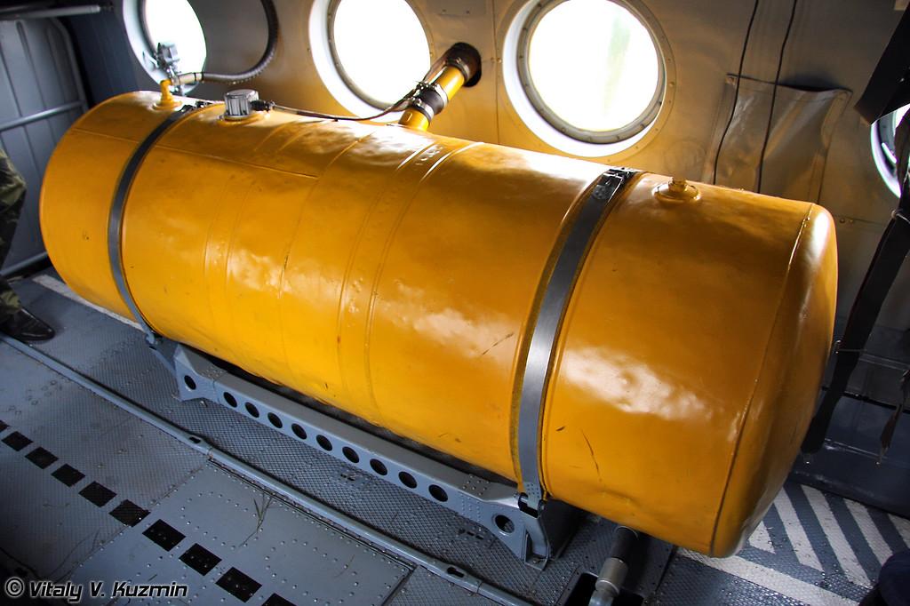 Дополнительный топливный бак (Additional fuel tank)